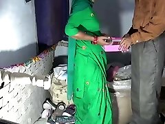 Desi mommy fucked by shop keeper in back supermarket