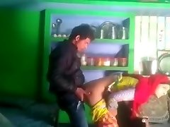 Desi married bhabhi salma cheating with neighbor boyfriend mms kissing
