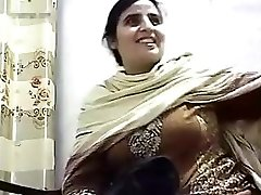 Pakishtani milf hookup with Shop Owner