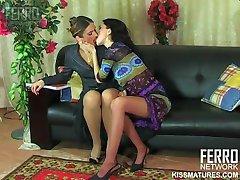 ロシアの成熟したマルタLESB01