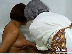OmaHoteL Grandma and Mature are Toying Together