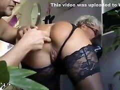 úžasné domáce zrelé, prstoklad sex scene