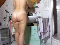 mature haveing a adorable bath