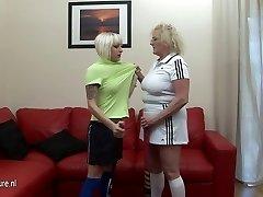 Tvrdý lesbický lekciu z jej starej tréner
