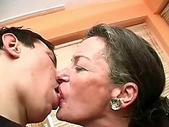 Bozkávanie Babička