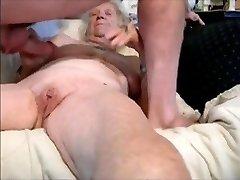 babička, a mladý milenec