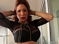 Tgirl mature tugging in uber-sexy stockings