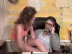 80年代の教師fucks生ます。flv