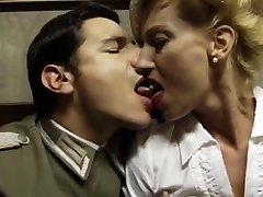 Italiano clásico del porno .Bastardi 1