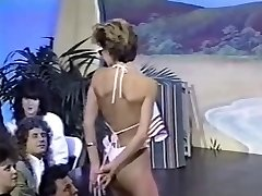 Três retro topless concursos de biquíni