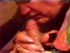 retro sperma aruncata umple gura cu sperma pana curge înapoi