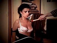 Gražus ieškote mergina sucks ir gauna spanked sunku