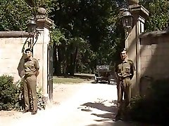 लिसा क्रॉफर्ड - सैनिकों के Général पत्नी
