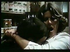 Franse rijpe houdt van spanking en fucking - vintage
