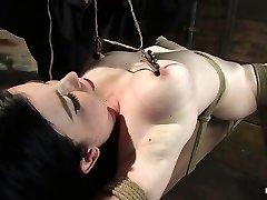 सिबिल Hawthorne में सिबिल Hawthorne: रेट्रो सौंदर्य प्यार करता है, दर्द से दूर पाने के लिए - HogTied