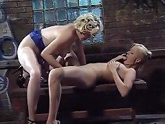 neverjetno, pornstar sharon divje v pohoten cunnilingus, xxx hardcore scene