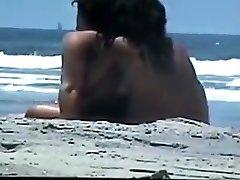 nude nekaj na plaži