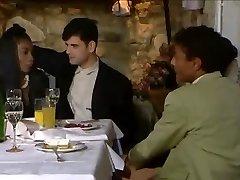 večerja v restavraciji spremeni v orgija
