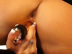 Super Hot pussyhole dildoing from sexy blonde
