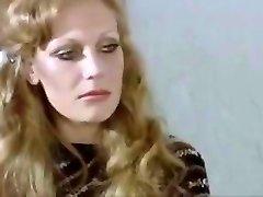 sieviete nometnē 1980 vergu wifes milfs