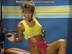 Η μελίσα Melendez, Taija Ραε, Κάντι Evans στο κλασικό πορνό