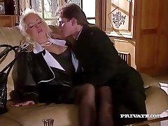 Silvia Saint Jebe Odvetnik in Odtoki Svojim Cum