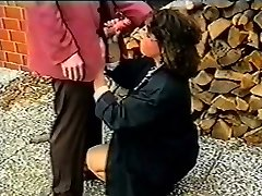 effie buster get public warm oral job to swallow