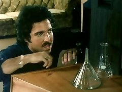 BLOND KÕRVALMAJAS (1982)