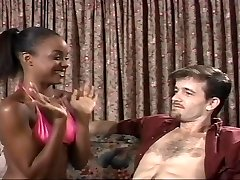 Jauni Ebony Sinnamon Love ir Michael Cox J