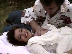Klasicni porno pokazuje debeo junica postaje костяком izvana