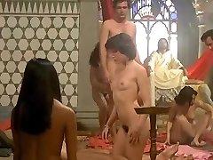 עמנואל perche violenza alle דאן (1977) - לורה Gemser