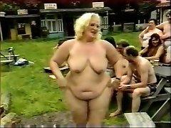 Horny Omatehtud video Grupi Seksi, Vanaemad stseene