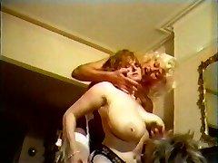 Titanic Toni Francis e Lynn Armitage Peitos Grandes de Festa