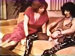 Lesbo Peepshow Loops 612 70s and 80s - Sequence 2