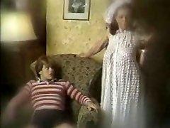 Klassikaline ema poeg filmi snahbrandy