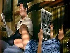 נוער לפתות את אביה החורג ב-מון's house