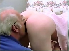 빈티지 젊은 오래된 커플