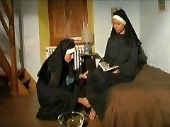 의 몇 가지 뜨거운 흥분 수녀!