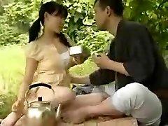 中国的年轻夫妇,他妈的外