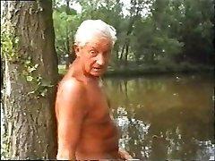 शरीर शरीर में एक बैंकाक (1981) के साथ तीन सींग का