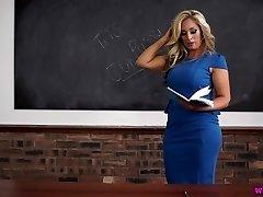 Kellie O tutor milf