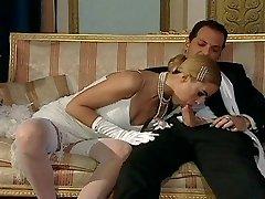 Italian blond diva has infatuating sex