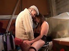 Cross-generational 3some - Telsev