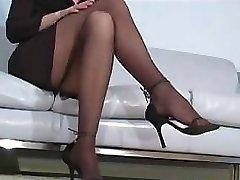 Office bitch Faith Leon in pantyhose