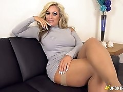 UK MILF with ash-blonde hair Kellie OBrian is always prepared to display booty