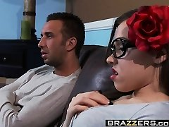 Brazzers - Teenies Like It Ginormous -  Out with Emo