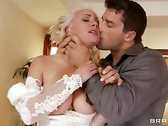 Sexy bride Lexi Swallow gobbles on this tasty schlong