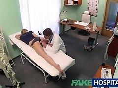 FakeHospital Ártatlan szőke megkapja az orvosok