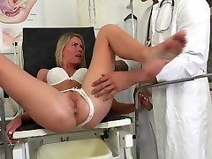 Doc examines patients pussy with his cock for best test res