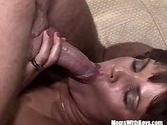 Brunette Old Damsel Sucking Cock Spreading Her Gams